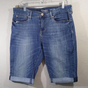 Signature by Levi Modern Skinny Jean Shorts
